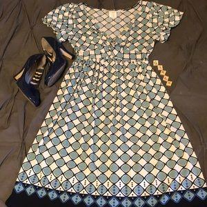 Shades of blue & cream printed short sleeve dress